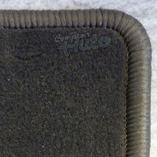 tapis de coffre sur mesure en moquette velours surjet. Black Bedroom Furniture Sets. Home Design Ideas